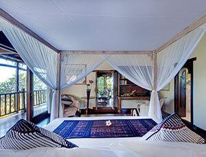 Sungai Tinggi Beach Villa - Upstairs guest bedroom